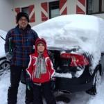 w2015 La deszapezit masina in parcarea hotelului